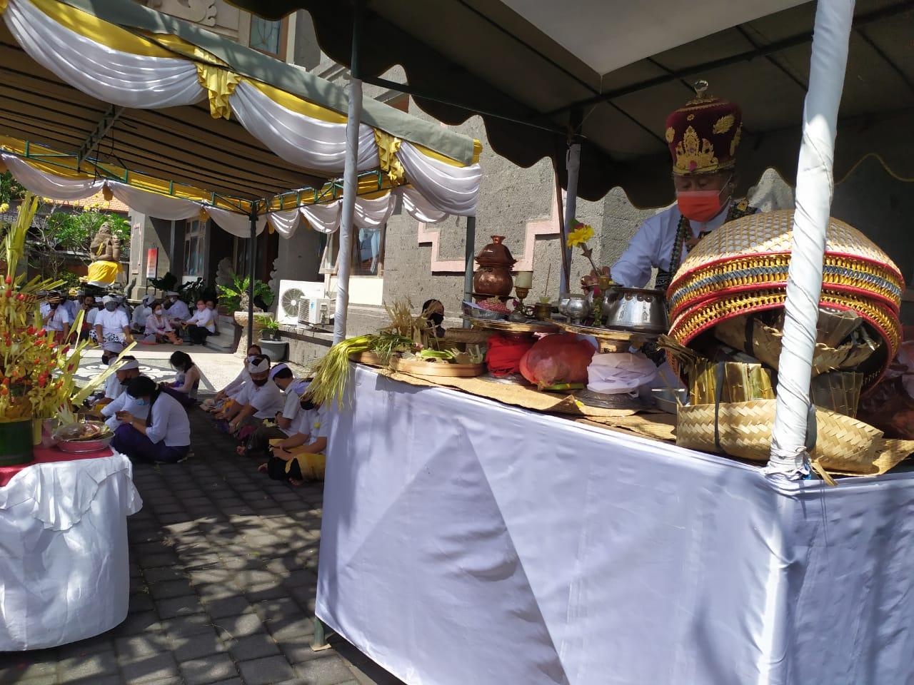 Upanayana Pascasarjana UHN I Gusti Bagus Sugriwa Denpasar